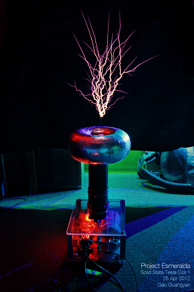 SSTC 1 - A Musical Electronic Tesla Coil   Loneoceans