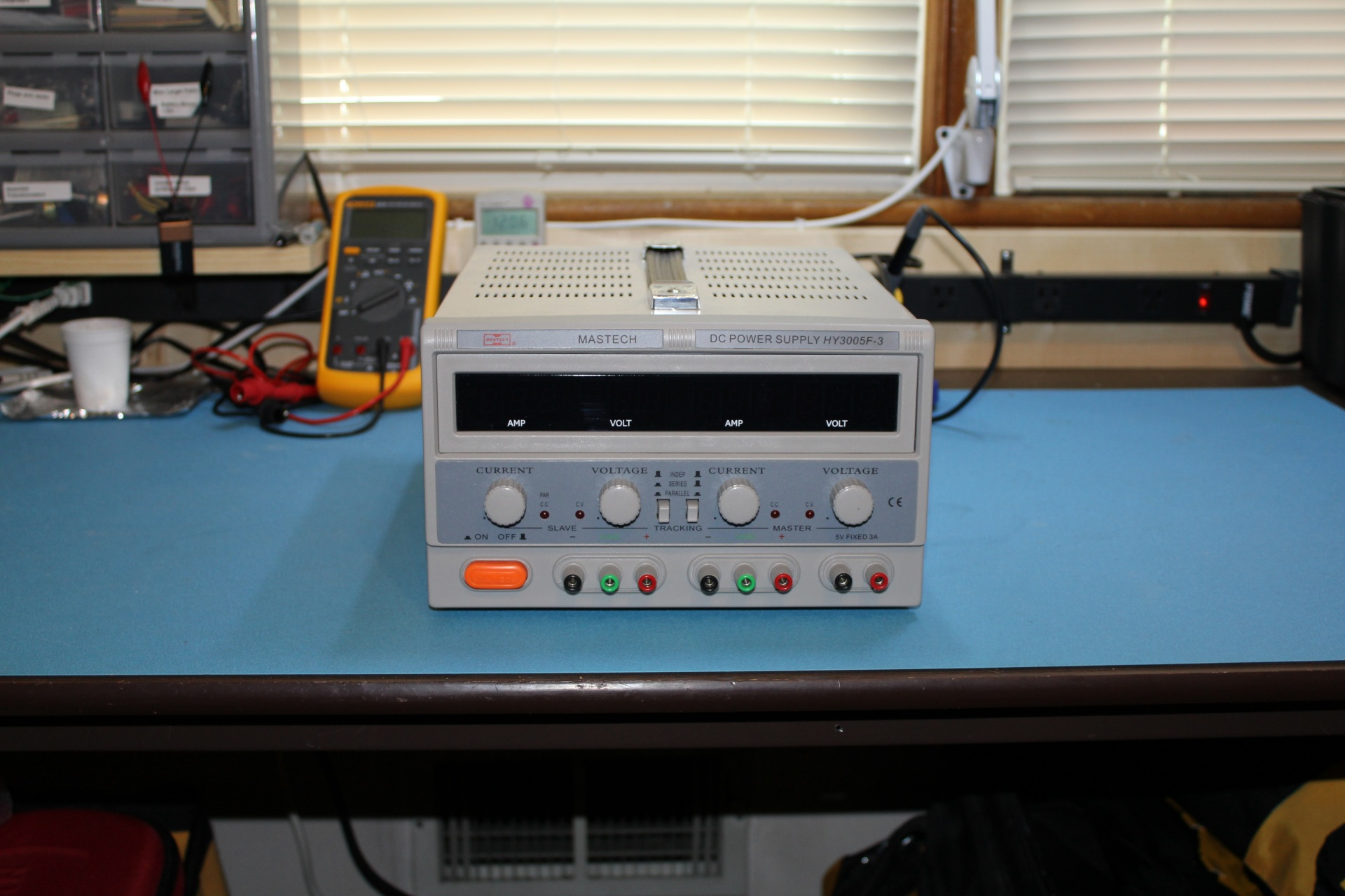 Tekpower Tp3005d 3 Dc Bench Power Supply Review Top 30v 10amp Construction Photos